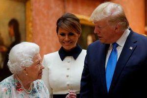 Đệ nhất phu nhân Melania Trump cứu chồng khỏi 'bàn thua trông thấy'