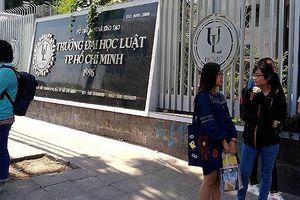 Trường ĐH Luật TPHCM lên tiếng việc hai PGS từ chức phó khoa