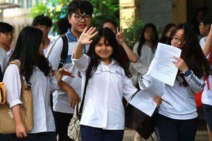 Đề thi chuyên Ngữ văn lớp 10 tại Hà Nội: Cuộc sống của bạn là đường chạy nào?