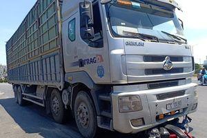 Người phụ nữ tử vong thương tâm dưới bánh xe tải