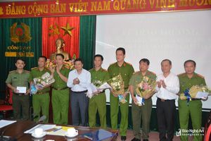 Nghệ An trao thưởng Ban chuyên án bắt giữ 15 kg ma túy 'cao cấp' ketamine