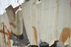 Những 'lưỡi hái tử thần' sắc lẹm dưới chân đường sắt trên cao