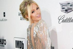 Bị tẩy chay vì dùng 'giờ cao su', Paris Hilton phải xin lỗi phóng viên