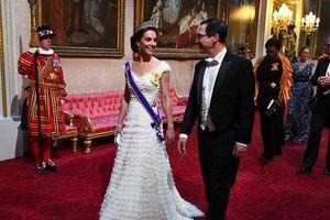 Đọ sắc vóc 'một 9 một 10' giữa Công nương Kate cổ điển và ái nữ Ivanka Trump hiện đại tại quốc yến Hoàng gia Anh