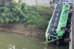 Xe khách lao xuống sông ở Thanh Hóa có còn hạn đăng kiểm?