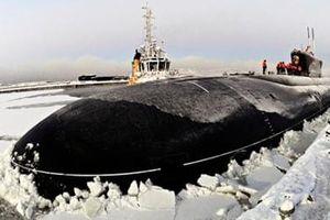Ba tàu ngầm Nga phá băng dày, trồi lên giữa biển Bắc Cực