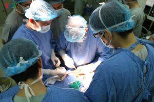 Cha hiến tặng nội tạng con trai chết não giúp cứu sống 4 người