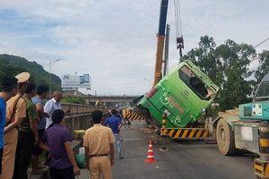 Hé lộ nguyên nhân xe khách lao xuống sông ở Thanh Hóa, 9 người thương vong