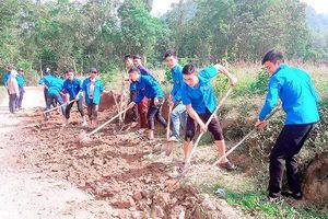 Tuổi trẻ Ðiện Biên góp sức xây dựng nông thôn mới