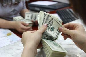 USD tự do thấp hơn ngân hàng