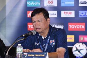 HLV Thái Lan Sirisak Yodkhakthai: Việt Nam không hơn gì Thái Lan, không phải là đội bóng số 1 Đông Nam Á!