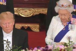 Clip: Ông Trump ngủ gật khi nghe Nữ hoàng Anh phát biểu?