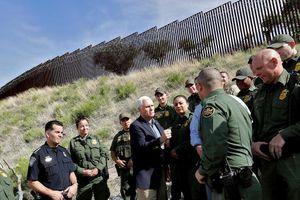 Người di cư từ Mexico tăng đột biến, lo ông Trump áp thuế