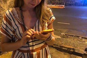 Nam tài xế Grab kêu oan việc cướp điện thoại của du khách Nga