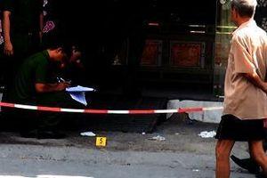 Hà Nội: Thủ dao trong người rình đâm tử vong tình địch trong đêm