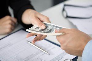 Điều kiện chuyển nhượng vốn góp cho nhà đầu tư nước ngoài