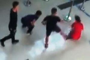 Khách say rượu xúc phạm, hành hung nhân viên sân bay Thọ Xuân