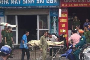 Bị can tội dâm ô trẻ bất ngờ tử vong trong cửa hàng may