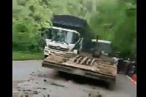Xe đầu kéo gây tai nạn trên đèo Bảo Lộc, giao thông tắc nghẽn hơn 10km