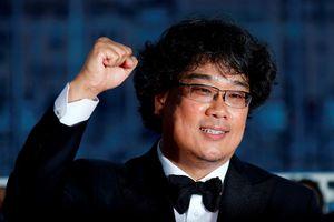 Đạo diễn vừa thắng 'Cành cọ vàng' bị tố để Won Bin lạm dụng đồng nghiệp