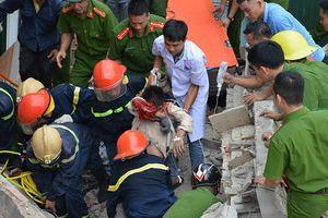 Vụ nhà sập đổ trong lúc phá dỡ: Chỉ có 1 người bị mắc kẹt