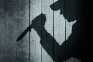 Ghen tuông mù quáng, dùng dao đâm chết tình địch
