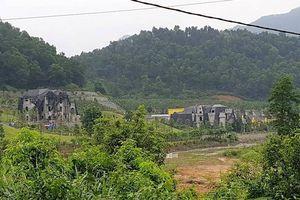 Đột nhập điểm nóng cưỡng chế 18 công trình 'băm nát' rừng Sóc Sơn