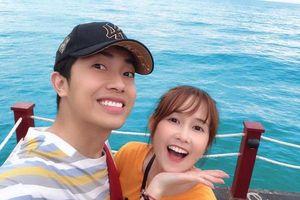Trước đám cưới, hãy cùng nhìn lại những khoảnh khắc ngọt ngào của Cris Phan và 'bạn gái hơn tuổi' Mai Quỳnh Anh