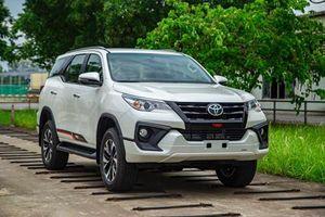Chuyển sang lắp ráp trong nước, giá bán Toyota Fortuner 2019 tăng nhẹ