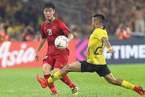 'Chiếc lá rơi' cũng làm tuyển Malaysia… giật mình