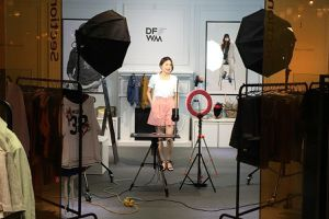 'Thánh địa' thời trang Hàn Quốc dựa vào livestream để hút khách TQ