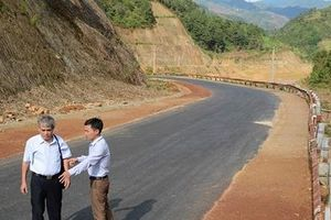 'Ông trời con' đã hoàn trả xong đoạn đường qua thủy điện Khao Mang Thượng