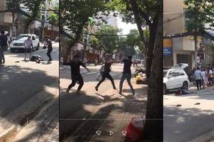 2 người đi Mercedes bị đánh gục: Tiết lộ bất ngờ