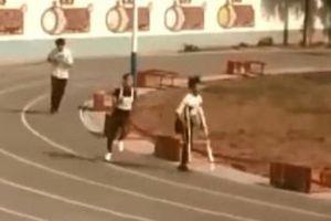 Cảm phục nam sinh mất một chân vẫn chạy 1.000m, được điểm tối đa
