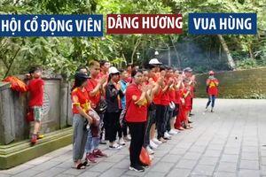CĐV đến thắp hương tưởng niệm vua Hùng trước trận U.23 Việt Nam U.23 Myanmar