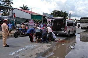 Đi nhận quà từ thiện, cả gia đình bị xe tải tông thương vong