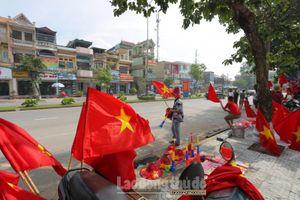 Mọi ngả đường vào sân Việt Trì rực đỏ trước trận U23 Việt Nam gặp Myanmar