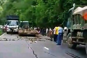 Xe đầu kéo mất lái gây tai nạn liên hoàn trên đèo Bảo Lộc