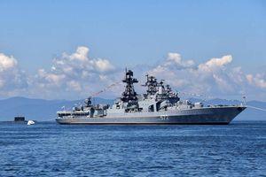 Tàu tuần dương Mỹ bị cáo buộc cắt mặt tàu chiến Nga ở biển Hoa Đông