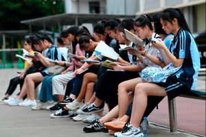 Hơn 10 triệu sĩ tử Trung Quốc bước vào kỳ thi khắc nghiệt nhất thế giới