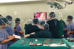 Lần đầu tiên thực hiện thành công phẫu thuật nội soi cắt thùy phổi cho bệnh nhân ung thư