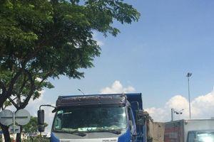 Đà Nẵng: Xe máy va chạm với xe tải, nam thanh niên chết thảm