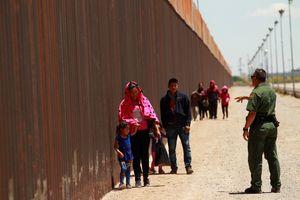 Mỹ hoãn kế hoạch áp thuế hàng hóa Mexico sau khi đạt thỏa thuận về di cư
