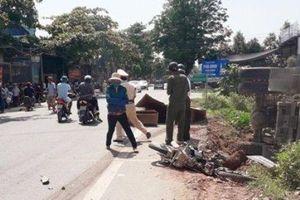 Ba người thương vong trong vụ xe tải tông xe máy