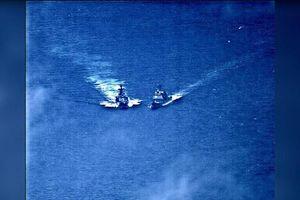 Clip tàu chiến Nga – Mỹ suýt đâm nhau trên biển Hoa Đông