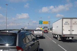 Tai nạn liên hoàn trên cao tốc TP.HCM – Trung Lương, hàng ngàn xe ùn tắc nghiêm trọng