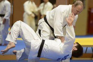Tổng thống Putin đề nghị nữ nhà báo Mỹ ra thảm judo cùng ông