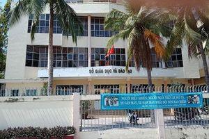 Cách chức Phó phòng Giáo dục làm lộ đề thi Ngữ Văn lớp 12