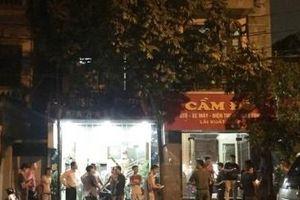 Hà Nội: Chủ tiệm cầm đồ bị đâm trọng thương