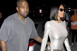 10 lần Kim Kardashian gây sốc vì không mặc nội y xuống phố